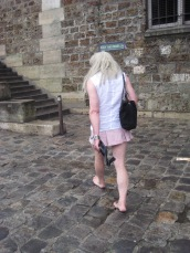 Dany Rambles sees a man in skirt
