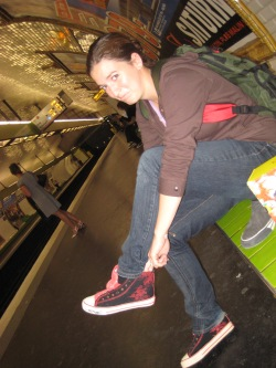 Dany Rambles changes Shoes in metro